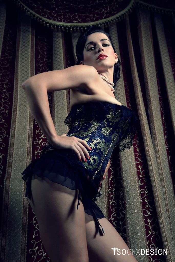 Burlesque Photoshoot Photography: Hao R.Wong Digital Retouch: tsogfxdesign Makeup Artist: Jensty Hair Stylist: Abby T